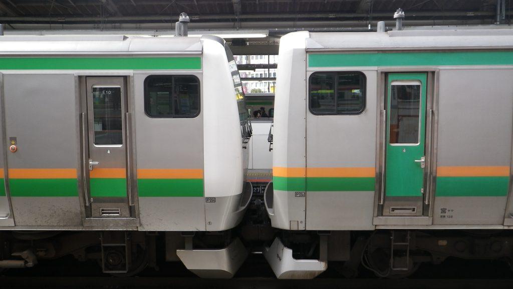 E233系とE231系の連結