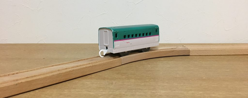 E5系新幹線中間車