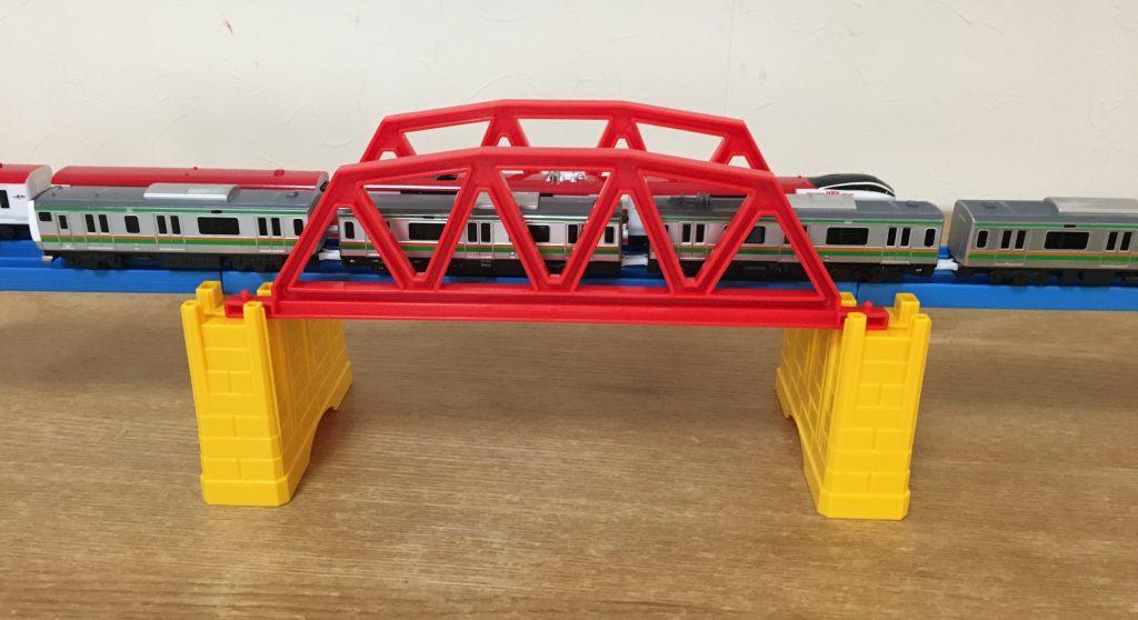 小さな鉄橋
