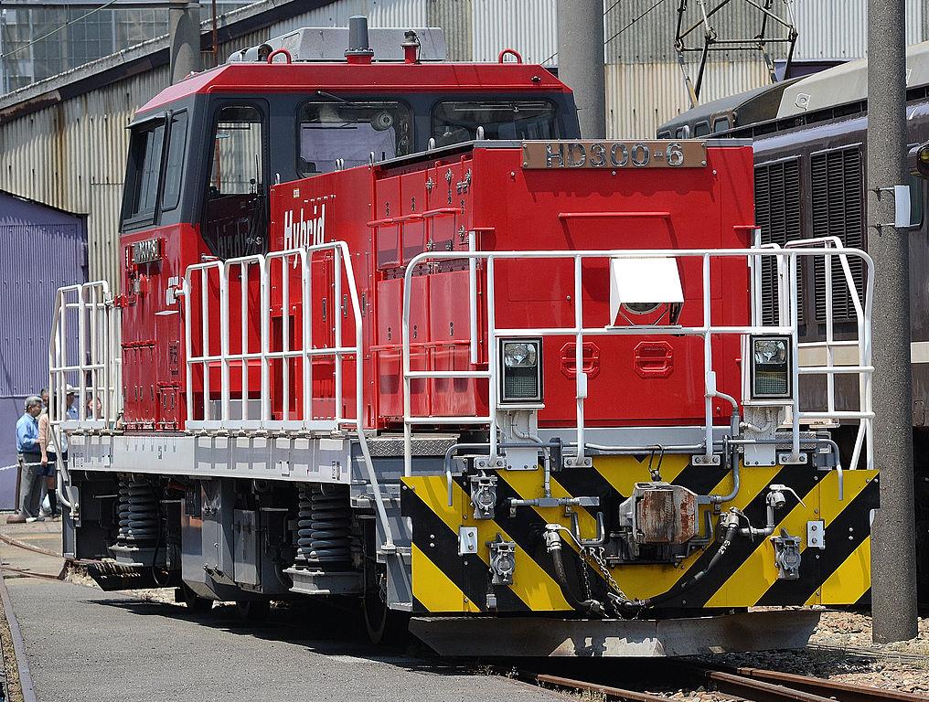 HD300形ハイブリット機関車(Photo by:Toshinori baba)